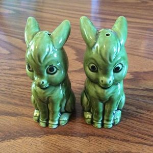 Vintage donkey salt and pepper shakers +